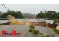 Ngeri! Detik-detik Sebuah Jembatan di Malaysia Runtuh Diguyur Hujan Deras