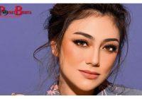 Heboh Celine Evangelista Dipangku Pria Lain, Netizen: Cari Sensasi